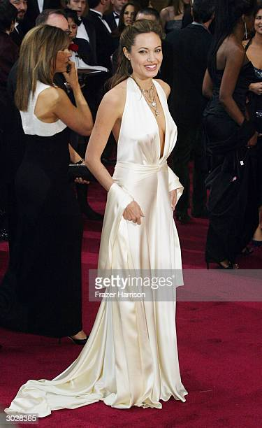 Actress Angelina Jolie attends the 76th Annual Academy Awards at the Kodak Theater on February 29, 2004 in Hollywood, California.