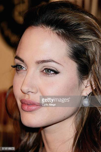 Actress Angelina Jolie attends the premiere of the United Artists film 'Hotel Rwanda' December 2 2004 in Los Angeles California