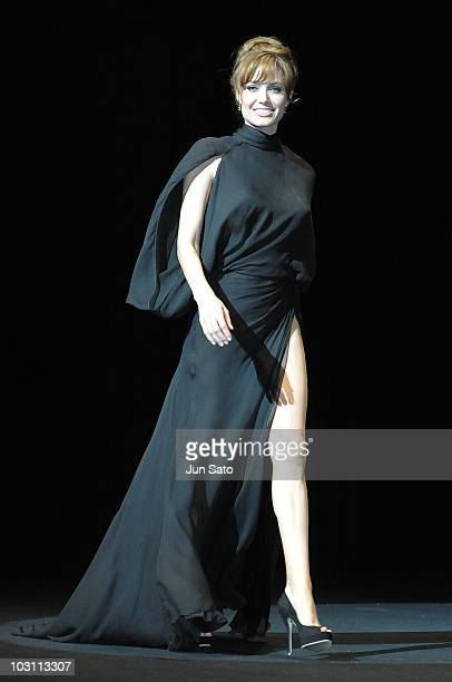 Actress Angelina Jolie attends the Salt Japan Premiere at Tokyo International Forum on July 27 2010 in Tokyo Japan The film will open on July 31 in...