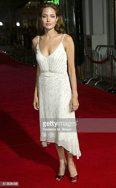 Actress Angelina Jolie attends the world premiere of 'Sky Captain And The World of Tomorrow' at the Grauman's Chinese Theatre on September 14 2004 in...