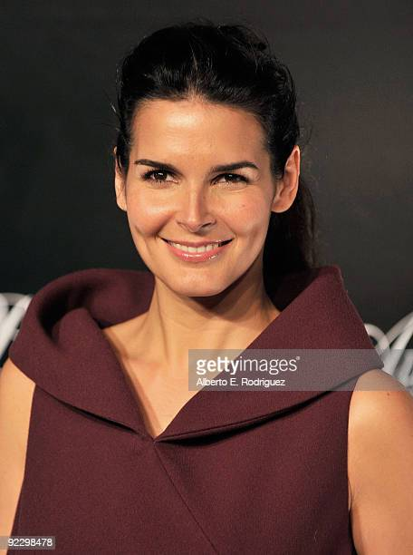 Actress Angie Harmon arrives at the Rodeo Drive Walk of Style Award honoring Princess Grace of Monaco and Cartier on October 22 2009 in Beverly Hills...