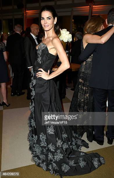 Actress Angie Harmon attends the 2015 Vanity Fair Oscar Party hosted by Graydon Carter at the Wallis Annenberg Center for the Performing Arts on...