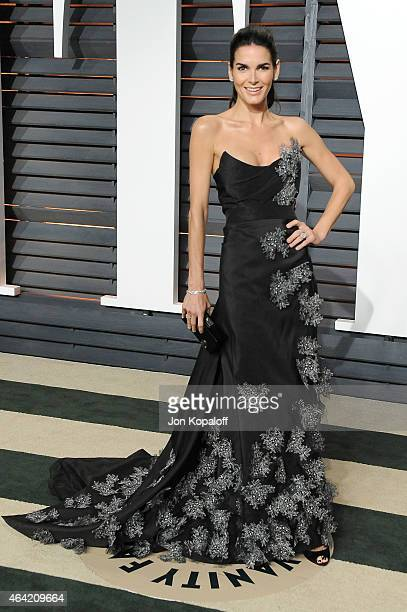 Actress Angie Harmon attends the 2015 Vanity Fair Oscar Party hosted by Graydon Carter at Wallis Annenberg Center for the Performing Arts on February...