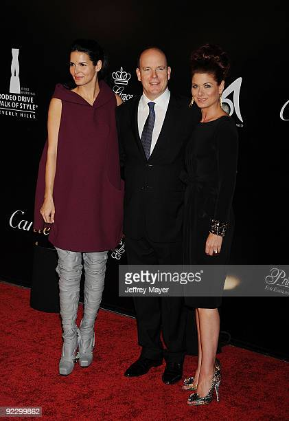 Actress Angie Harmon HSH Prince Albert II of Monaco and actress Debra Messing arrive at the 2009 Rodeo Drive Walk of Style Awards Ceremony October 22...