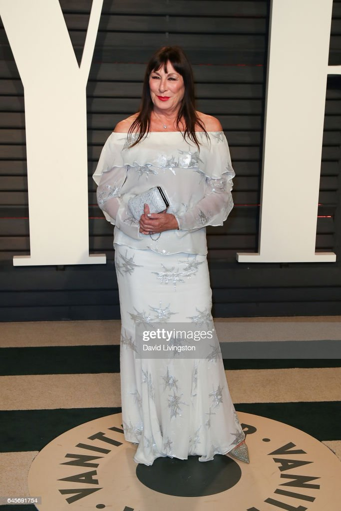 Actress Anjelica Huston attends the 2017 Vanity Fair Oscar Party hosted by Graydon Carter at the Wallis Annenberg Center for the Performing Arts on February 26, 2017 in Beverly Hills, California.