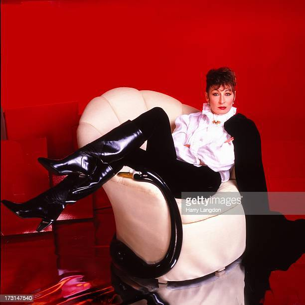 Actress Anjelica Huston poses for a portrait circa 1985 in Los Angeles California