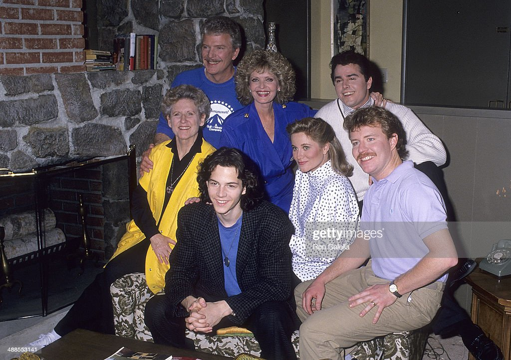 Actress Ann B. Davis, actor Robert Reed, actress Florence Henderson, actor Christopher Daniel Barnes, actress Maureen McCormick, actor Christopher Knight and actor Mike Lookinland attend NBC Television Series 'Day by Day' filming of 'A Very Brady' Episode featuring former cast members of 'The Brady Bunch' on January 19, 1989 at Paramount Pictures Studios in Hollywood, California.
