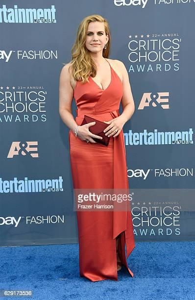 Actress Anna Chlumsky attends The 22nd Annual Critics' Choice Awards at Barker Hangar on December 11 2016 in Santa Monica California