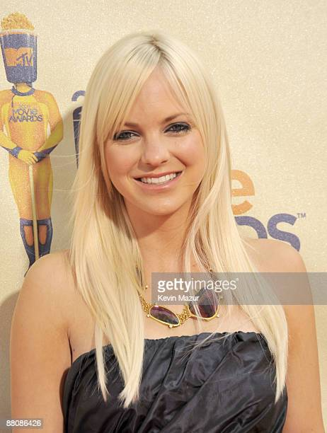 Actress Anna Faris arrives at the 2009 MTV Movie Awards held at the Gibson Amphitheatre on May 31 2009 in Universal City California