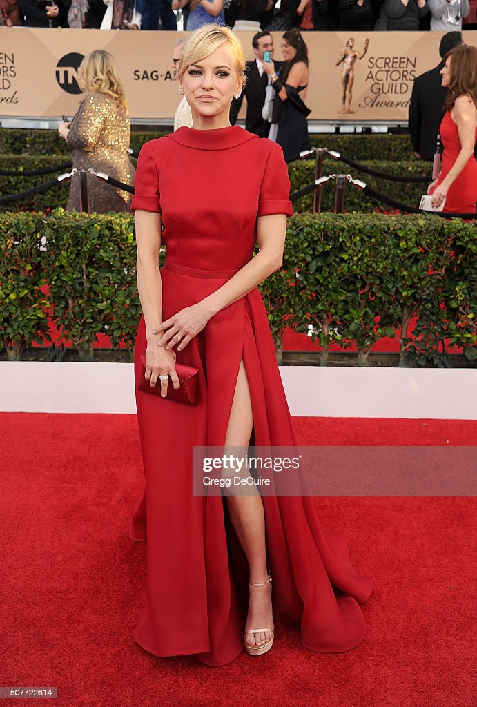 Actress Anna Faris arrives at the 22nd Annual Screen Actors Guild Awards at The Shrine Auditorium on January 30, 2016 in Los Angeles, California.
