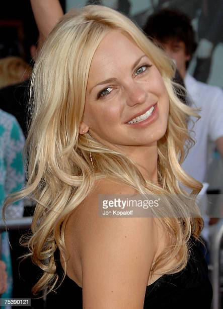 Actress Anna Faris arrives at the I Now Pronounce You Chuck and Larry premiere at the Gibson Amphitheatre and CityWalk Cinemas on July 12 2007 in...