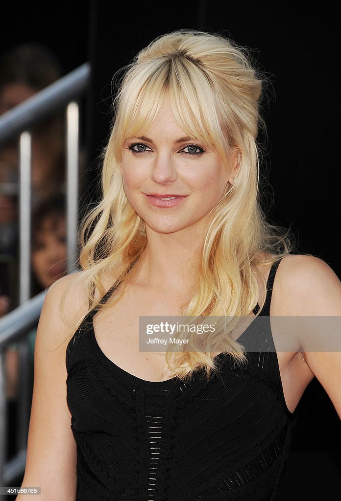 Actress Anna Faris arrives at the Los Angeles premiere of '22 Jump Street' at Regency Village Theatre on June 10, 2014 in Westwood, California.