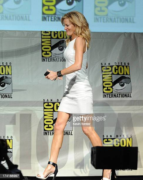 Actress Anna Gunn onstage at the 'Breaking Bad' panel during ComicCon International 2013 at San Diego Convention Center on July 21 2013 in San Diego...