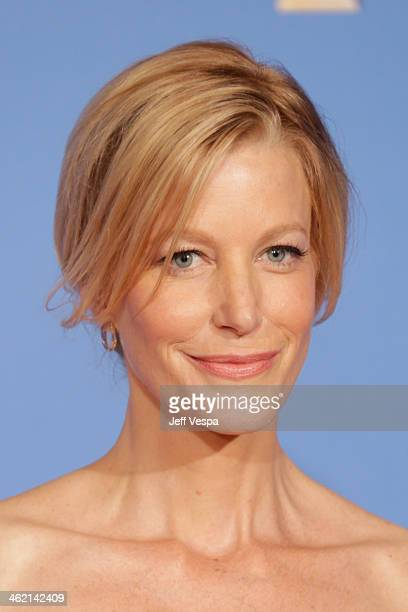 Actress Anna Gunn poses in the press room during the 71st Annual Golden Globe Awards held at The Beverly Hilton Hotel on January 12 2014 in Beverly...