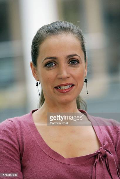 Actress Anna Thalbach attends a photocall to the ZDF television serie 'Alles ueber Anna' on March 09 2006 in Berlin Germany