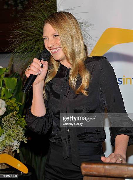 Actress Anna Torv accepts an award during Australians In Film's 2009 Breakthrough Awards held at The Roosevelt Hotel on May 8 2009 in Hollywood...
