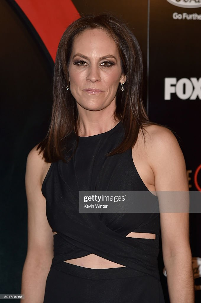 """Premiere Of Fox's """"The X-Files"""" - Red Carpet : News Photo"""