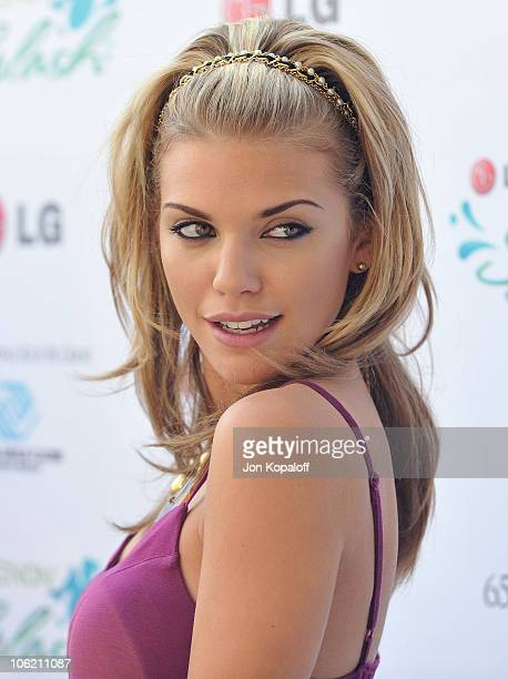 """Actress AnnaLynne McCord arrives at """"Hayden Panettiere Hosts LG Xenon Splash Pool Party"""" at W Hotel on June 2, 2009 in Los Angeles, California."""