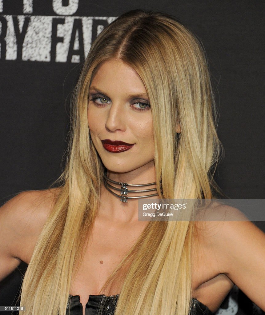 Actress AnnaLynne McCord arrives at the Knott's Scary Farm Black Carpet Event at Knott's Berry Farm on September 30, 2016 in Buena Park, California.