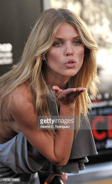 Actress AnnaLynne McCord arrives to premiere of Warner Bros Inception at Grauman's Chinese Theatre on July 13 2010 in Los Angeles California