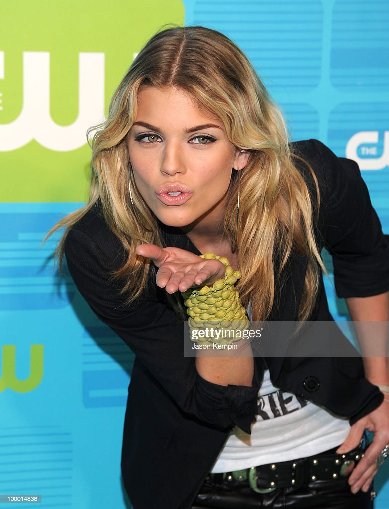 Actress AnnaLynne McCord attends the 2010 The CW Network UpFront at Madison Square Garden on May 20, 2010 in New York City.