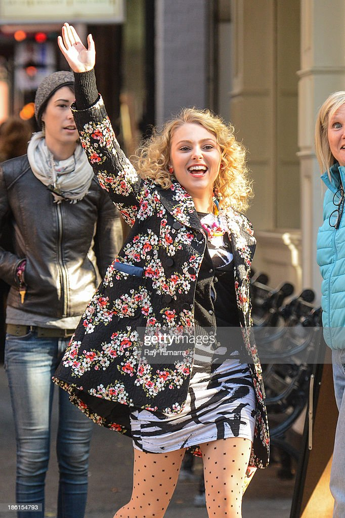 Actress AnnaSophia Robb enters the 'Carrie Diaries' movie set in Soho on October 28, 2013 in New York City.