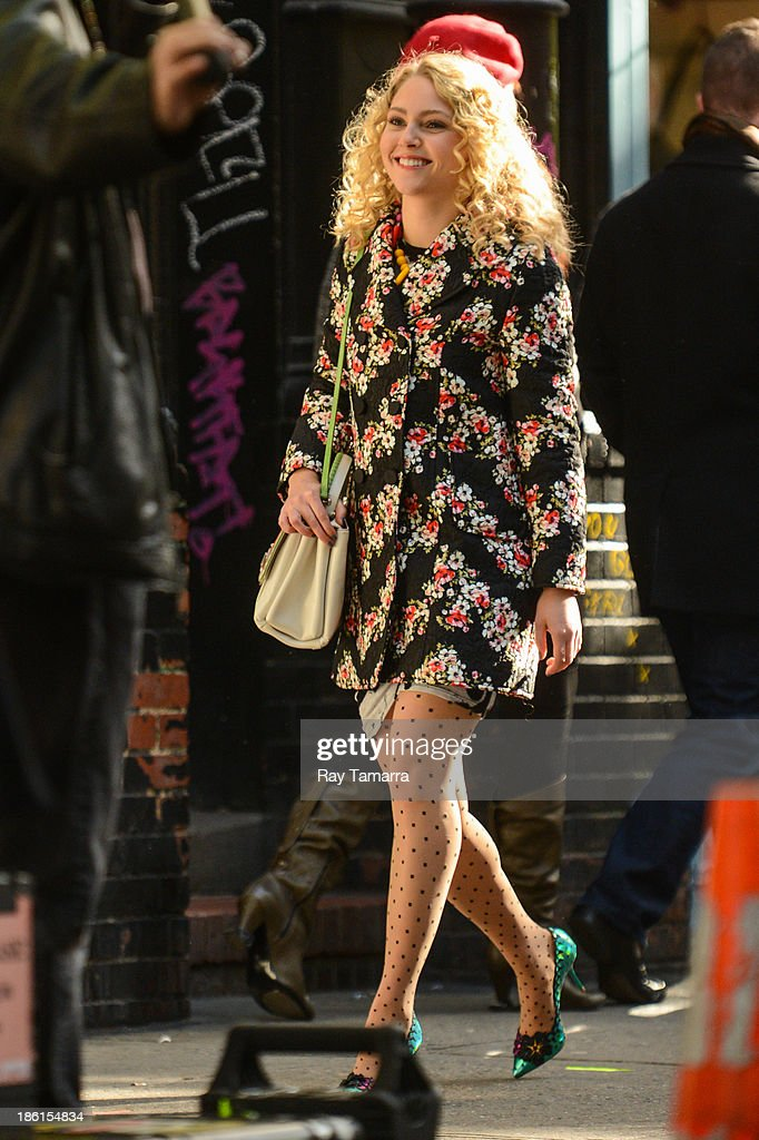Actress AnnaSophia Robb films a scene at the 'Carrie Diaries' movie set in Soho on October 28, 2013 in New York City.