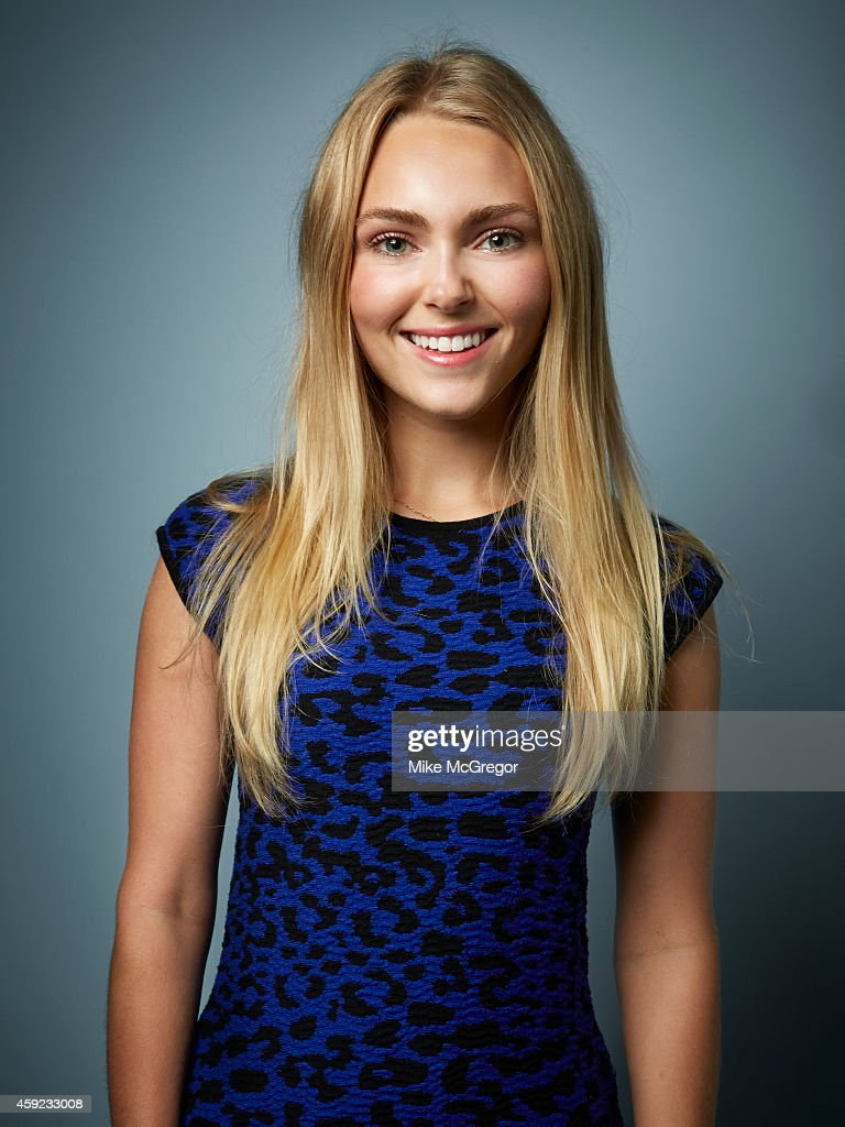 Annasophia Robb, Self Assignment, September 11, 2014