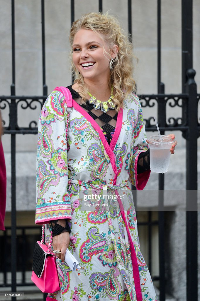 Actress AnnaSophia Robb rehearses a scene at the 'Carrie Diaries' set in the Lower East Side on August 20, 2013 in New York City.