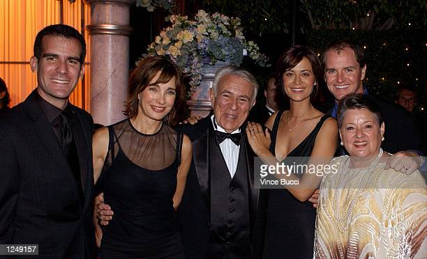 Actress Anne Archer poses with New York Congressman Ben Gilman actress Catherine Bell her husband Adam Beason and Gilman's wife Georgia during the...