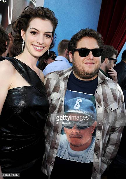 Actress Anne Hathaway and actor Jonah Hill arrive to the 2008 MTV Movie Awards at the Gibson Amphitheatre on June 1, 2008 in Universal City,...