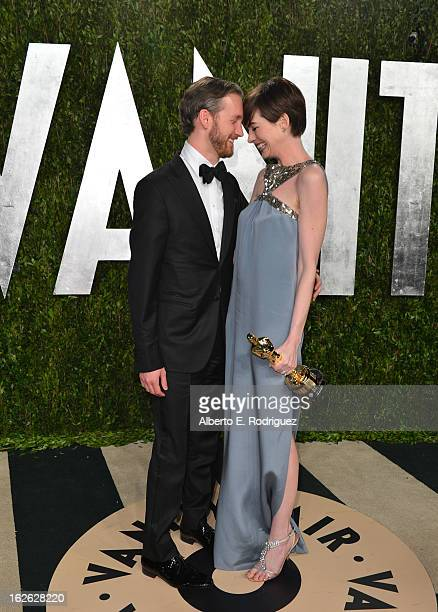 Actress Anne Hathaway and Adam Shulman arrives at the 2013 Vanity Fair Oscar Party hosted by Graydon Carter at Sunset Tower on February 24 2013 in...