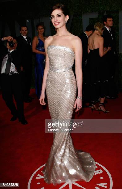 Actress Anne Hathaway arrives at the 2009 Vanity Fair Oscar Party hosted by Graydon Carter held at the Sunset Tower on February 22 2009 in West...
