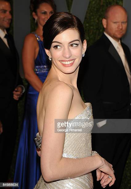 Actress Anne Hathaway arrives at the 2009 Vanity Fair Oscar Party Hosted By Graydon Carter at the Sunset Tower on February 22 2009 in West Hollywood...