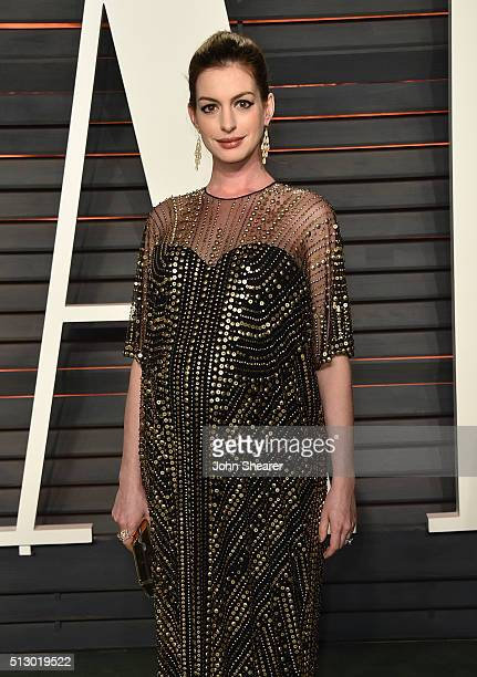 Actress Anne Hathaway arrives at the 2016 Vanity Fair Oscar Party Hosted By Graydon Carter at Wallis Annenberg Center for the Performing Arts on...