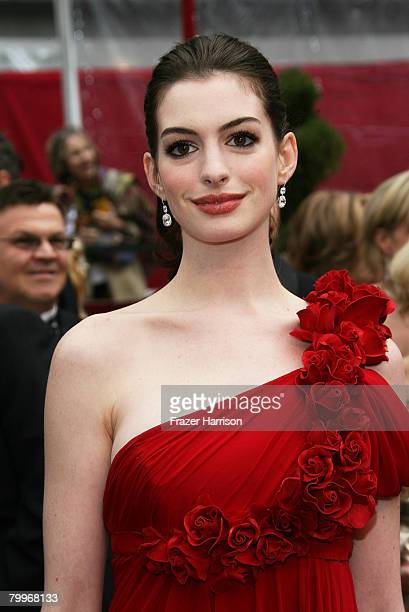 Actress Anne Hathaway arrives at the 80th Annual Academy Awards held at the Kodak Theatre on February 24, 2008 in Hollywood, California.