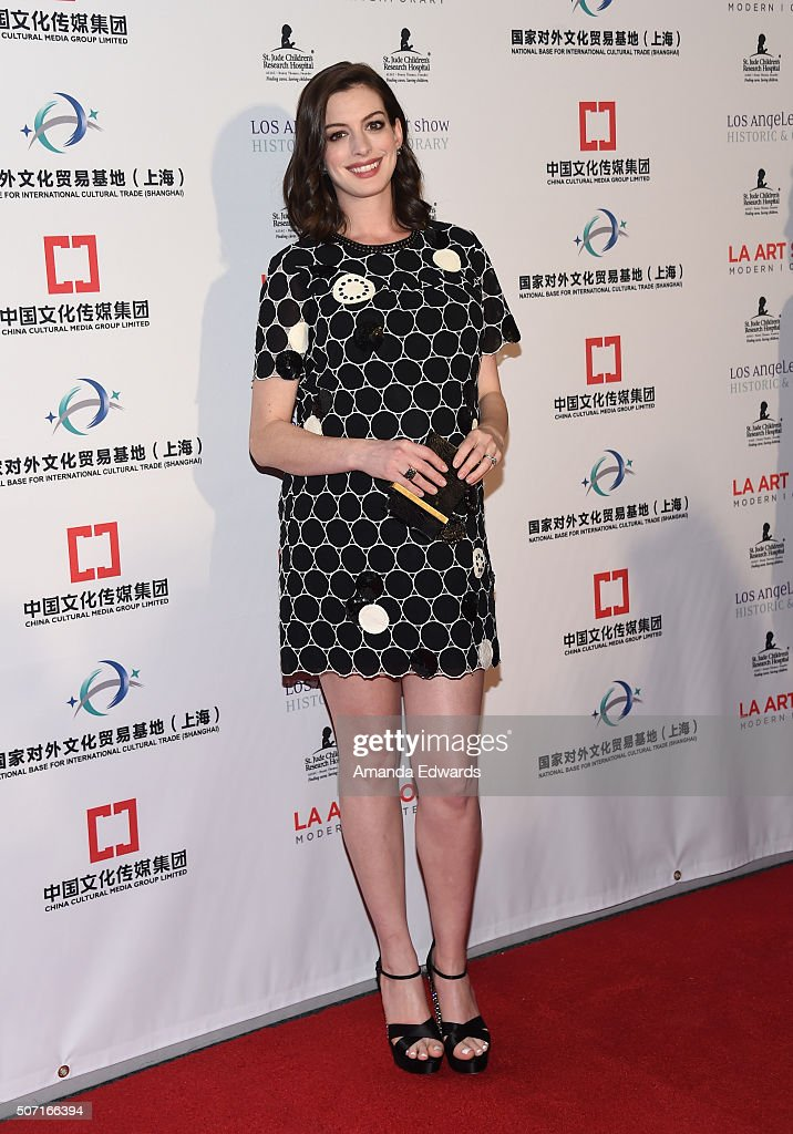 Actress Anne Hathaway arrives at the LA Art Show and Los Angeles Fine Art Show's 2016 Opening Night Premiere Party benefiting St. Jude Children's Research Hospital at the Los Angeles Convention Center on January 27, 2016 in Los Angeles, California.