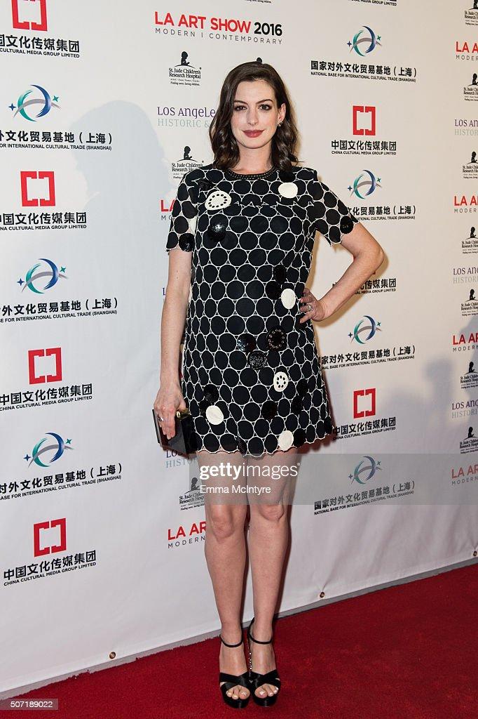 Anne Hathaway & Adam Shulman Host LA Art Show & Los Angeles Fine Art Show Opening Night Premiere Party : News Photo