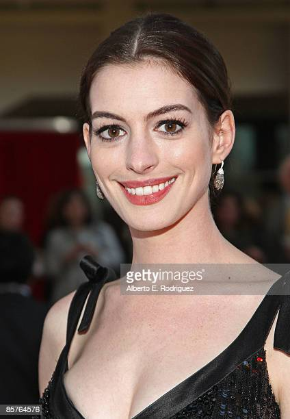 """Actress Anne Hathaway arrives at the L.A. Premiere of """"Valentino: The Last Emperor"""" held at the L.A. County Museum of Art on April 1, 2009 in Los..."""