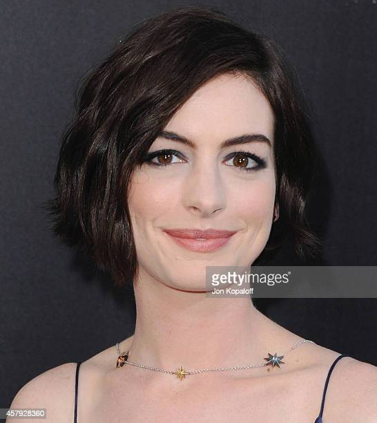 """Actress Anne Hathaway arrives at the Los Angeles Premiere """"Interstellar"""" at TCL Chinese Theatre IMAX on October 26, 2014 in Hollywood, California."""