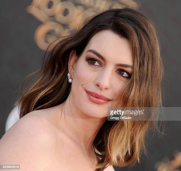 Anne Hathaway Actress: 60 Top Anne Hathaway Pictures, Photos, & Images