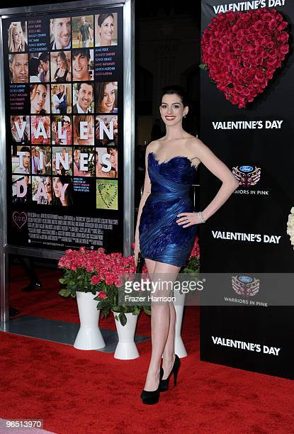"""Actress Anne Hathaway arrives at the premiere of New Line Cinema's """"Valentine's Day"""" held at Grauman�s Chinese Theatre on February 8, 2010 in..."""