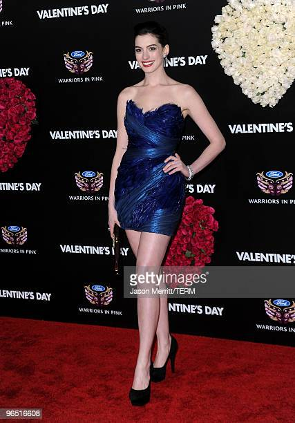 """Actress Anne Hathaway arrives at the premiere of New Line Cinema's """"Valentine's Day"""" at Grauman's Chinese Theatre on February 8, 2010 in Hollywood,..."""
