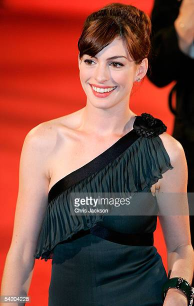 Actress Anne Hathaway arrives for the premiere of the incompetition film 'Brokeback Mountain' at the Palazzo del Cinema as part of the 62nd Venice...
