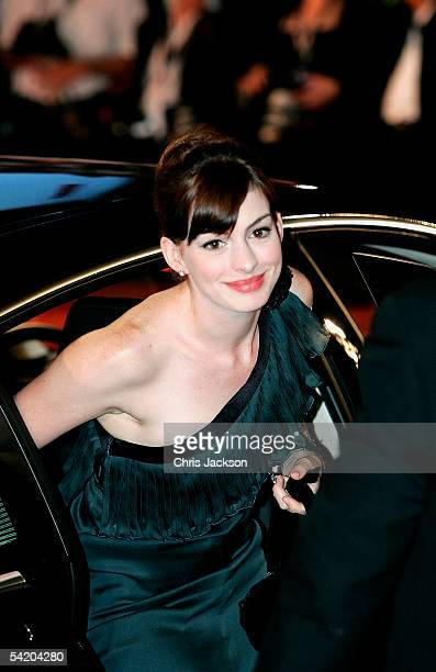 Actress Anne Hathaway arrives for the premiere of the incompetition film Brokeback Mountain at the Palazzo del Cinema as part of the 62nd Venice Film...