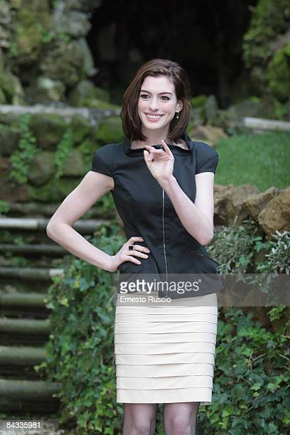 Actress Anne Hathaway attends Bride Wars photocall on January 17 in Rome Italy She wears Ferre's dress