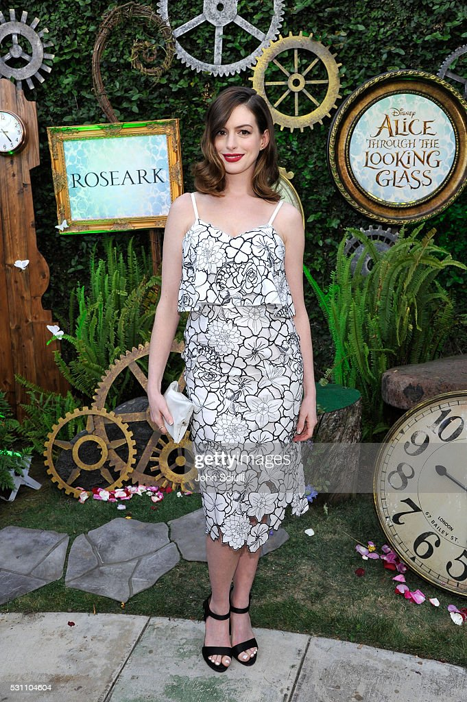 """""""Alice Through The Looking Glass"""" Event At Roseark"""