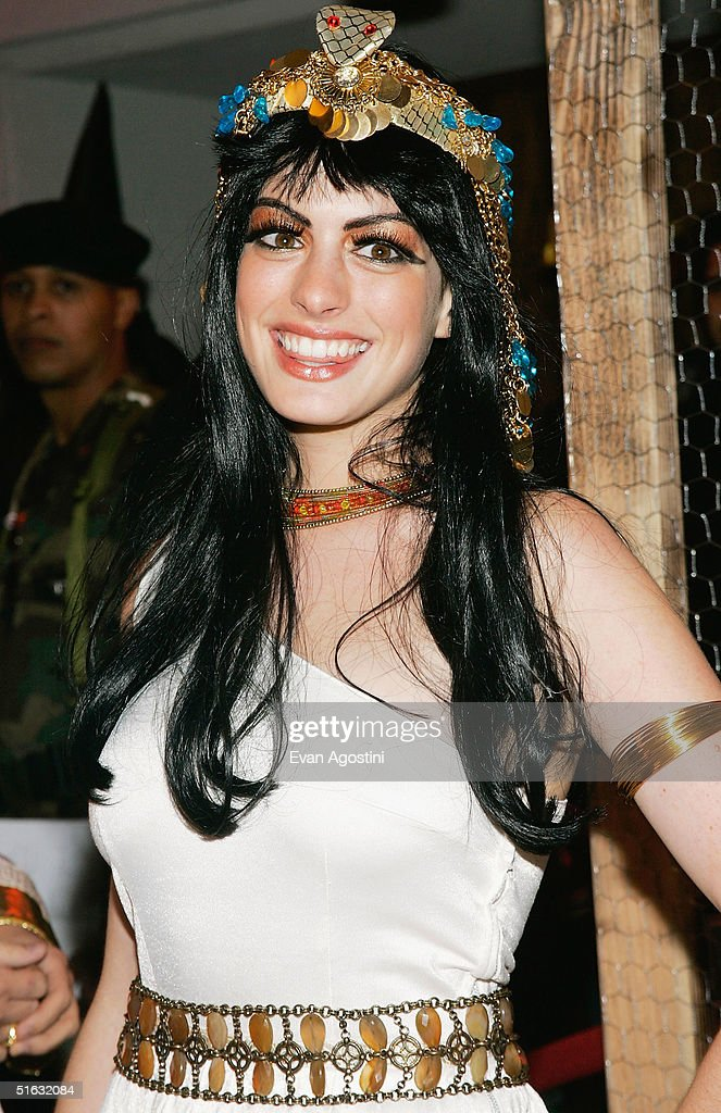 Actress Anne Hathaway attends Heidi Klum's 5th Annual Halloween party at Marquee on October 31, 2004 in New York City.