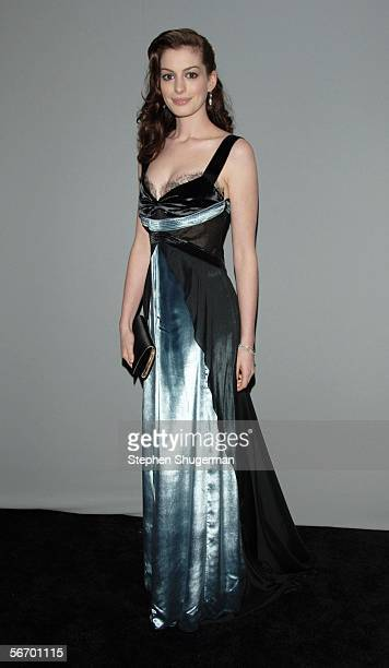 Actress Anne Hathaway attends the 12th Annual Screen Actors Guild Awards at the Los Angeles Shrine Exposition Center January 29 2006 in Los Angeles...