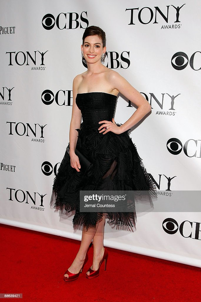 Actress Anne Hathaway attends the 63rd Annual Tony Awards at Radio City Music Hall on June 7, 2009 in New York City.